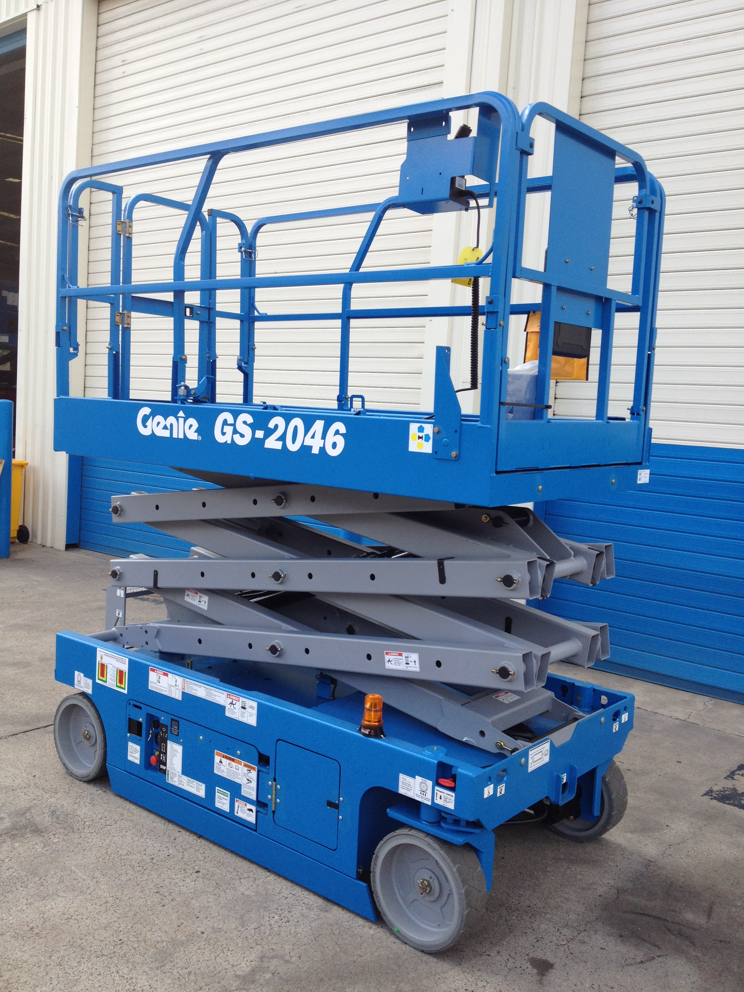 Genie GS 2046 / GS 2646 / GS 3246 - Platform Sales