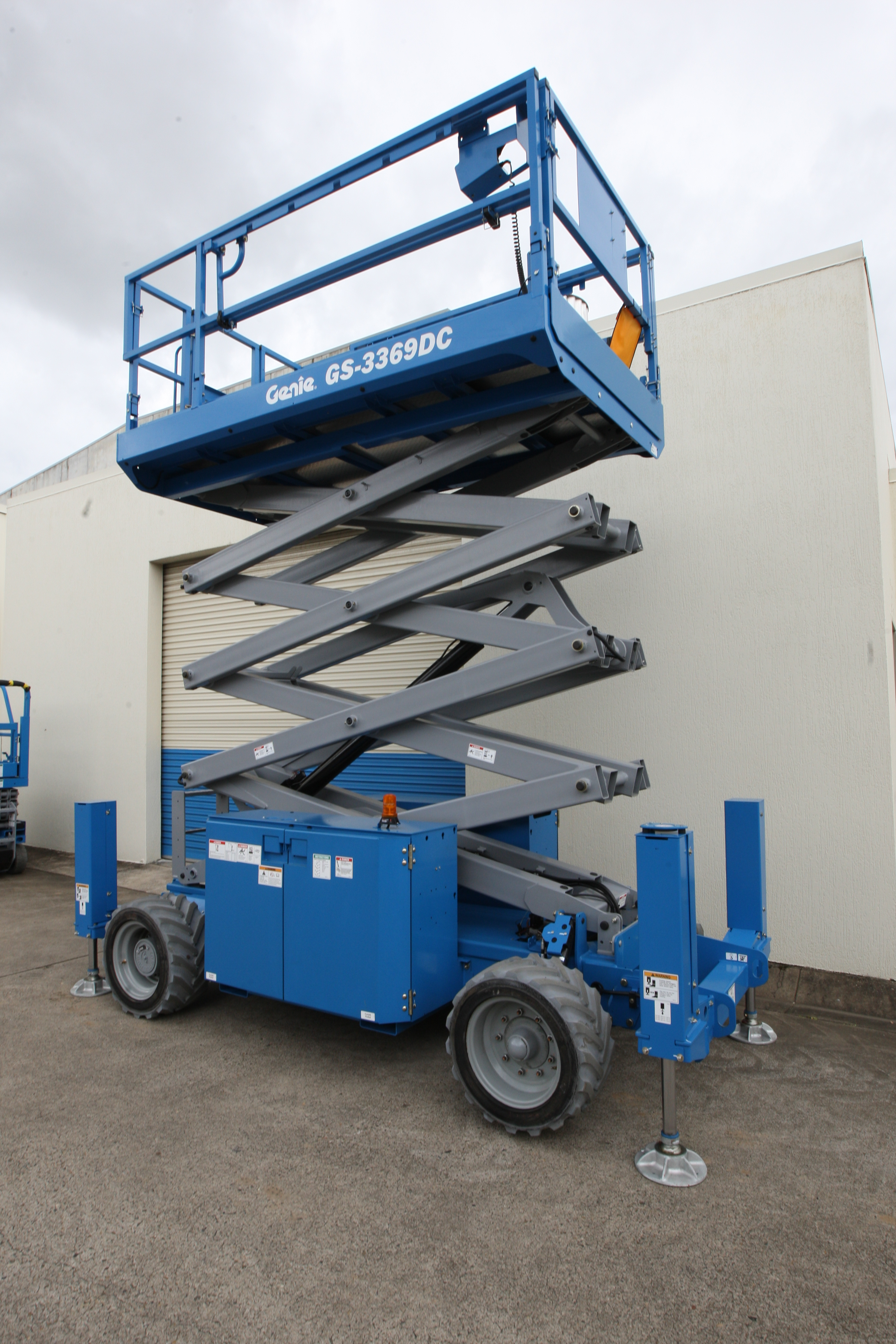 Genie GS 2669 DC - GS 3269 DC Electric Scissor Lifts